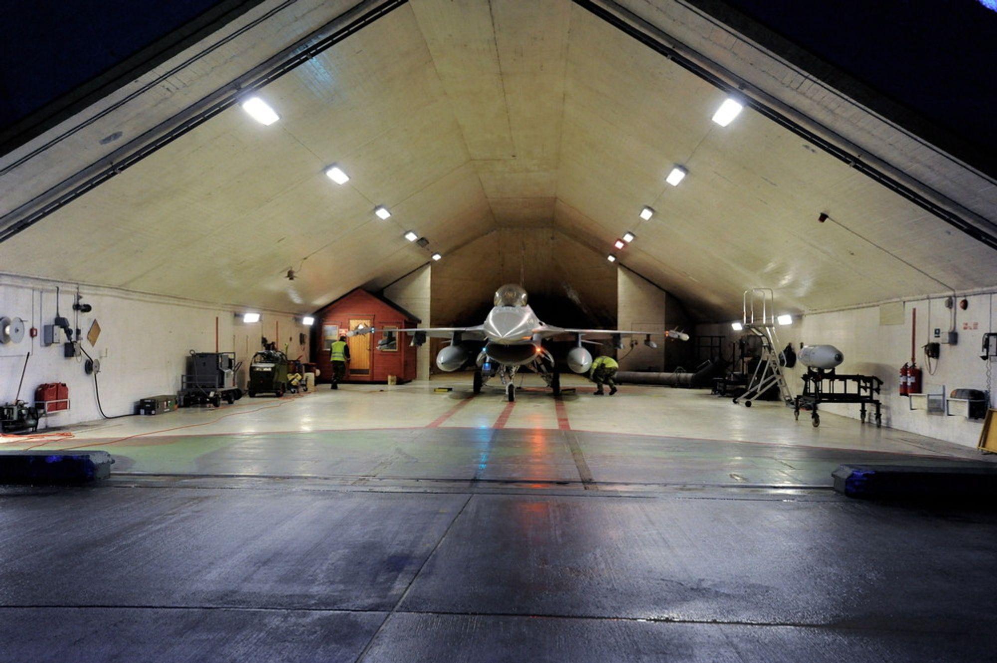 Ørland hovedflystasjon. F16 fly på Ørland 2011. Kampflybase