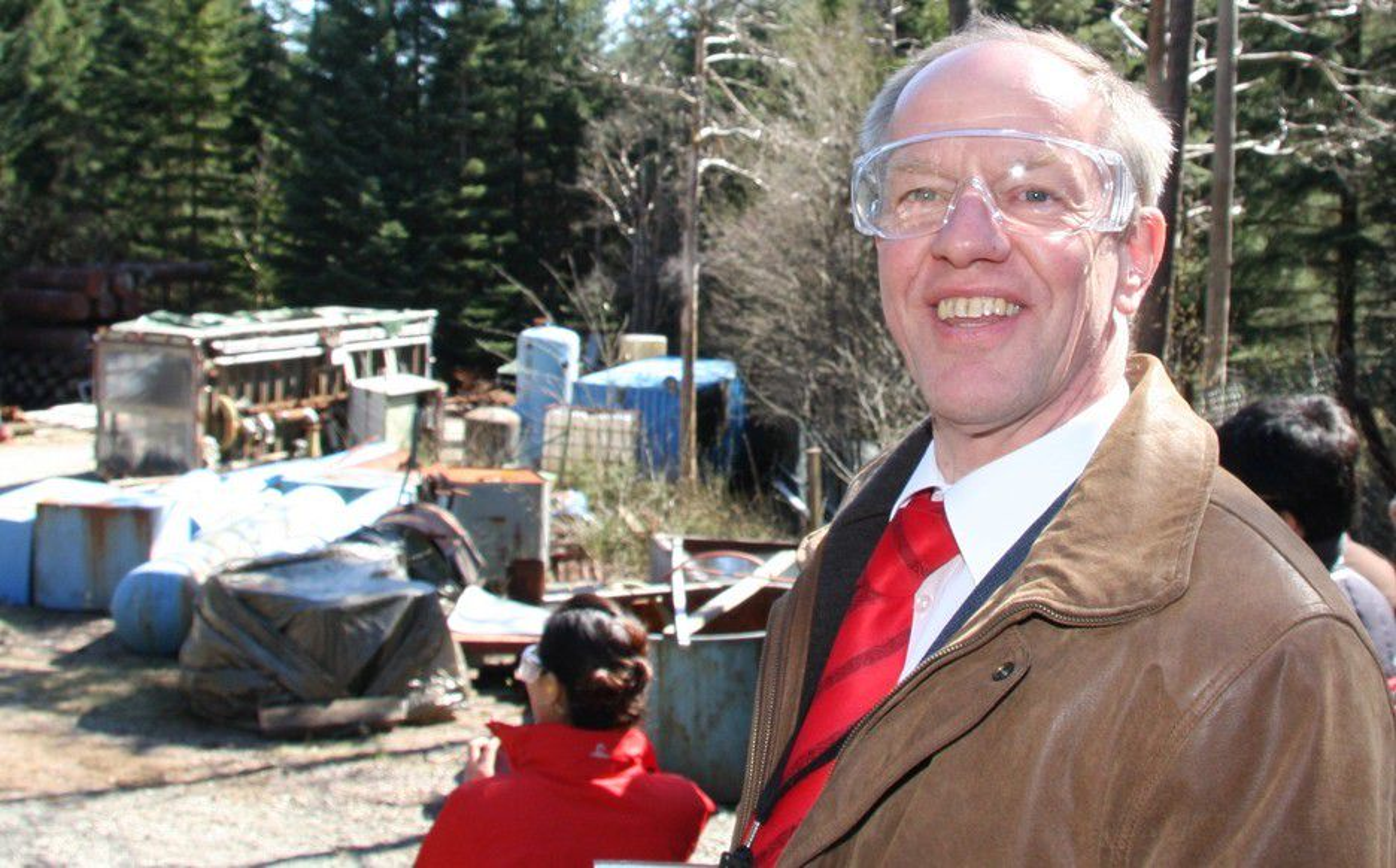 EKSPERT: Teknisk direktør Kees van Wingerden i GexCon er en av verdens fremste eksperter på eksplosjoner.  Her fra selskapets testsenter utenfor Bergen.