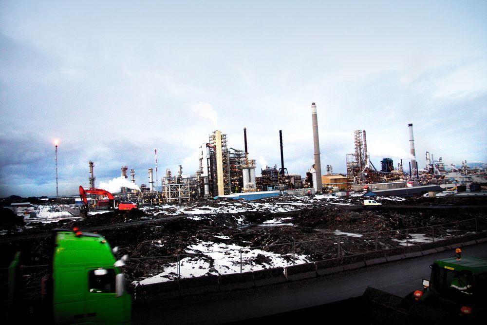 Mens vi venter på en internasjonal klimaavtale må nasjonale myndigheter stimulere industrien til selv å ta grep. TCM er et godt eksempel på en slik stimulering, skriver Arvid Hallén og Bjørn-Erik Haugan.