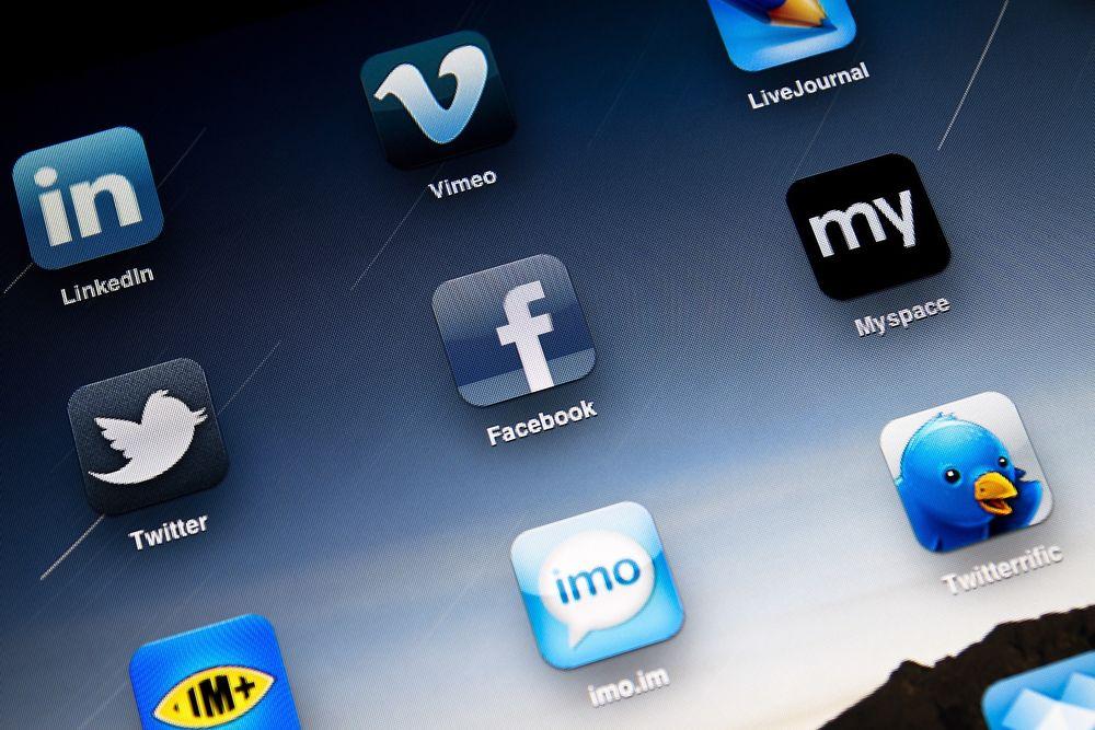 Facebook og LinkedIn er blant de beste teknologiselskapene å jobbe for i følge de ansatte selv.