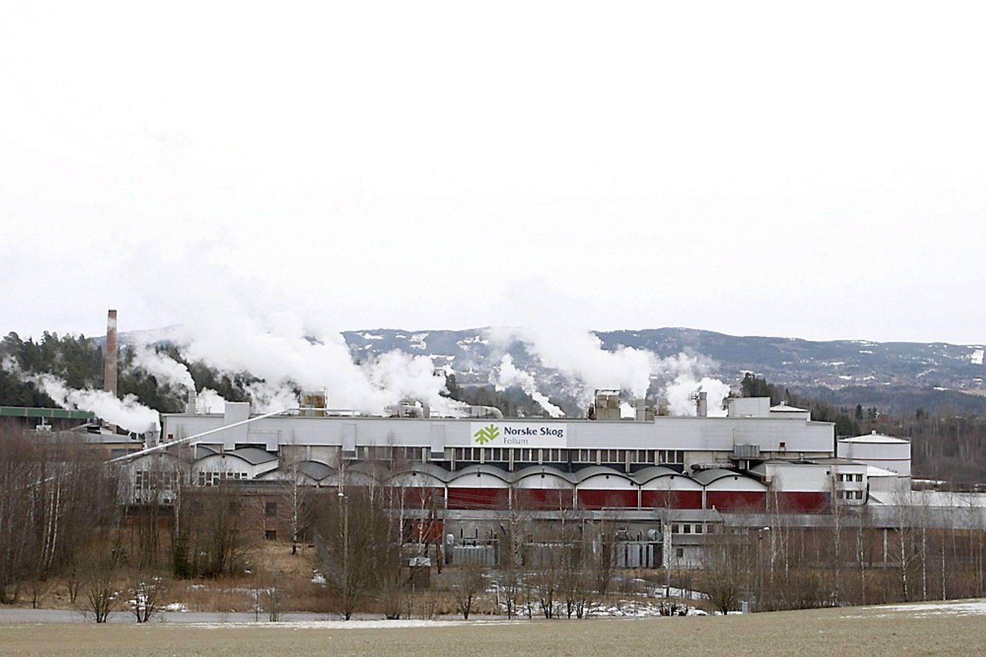 Norske Skog Follum. Fabrikken kjøpes nå av Viken Skog. Arkivfoto fra 2008.