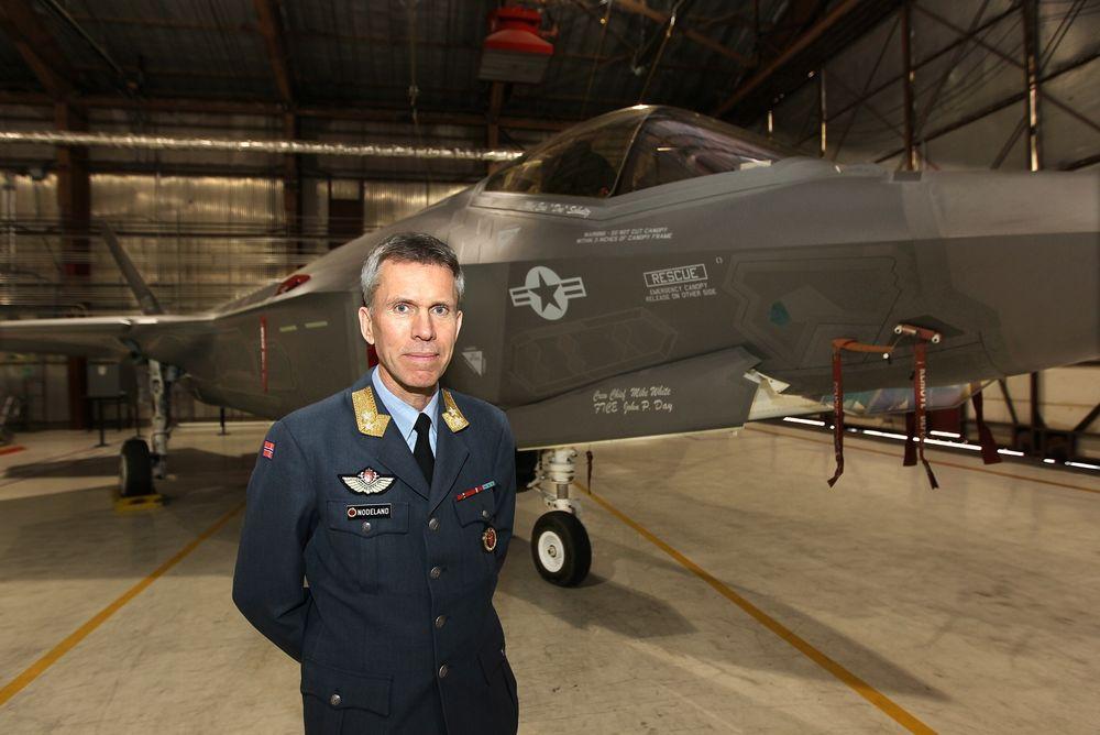 Stein Erik Nodeland er ansatt som ny direktør for Luftfartstilsynet bare 13 måneder etter at han begynte som programdirektør for F-35-programmet.