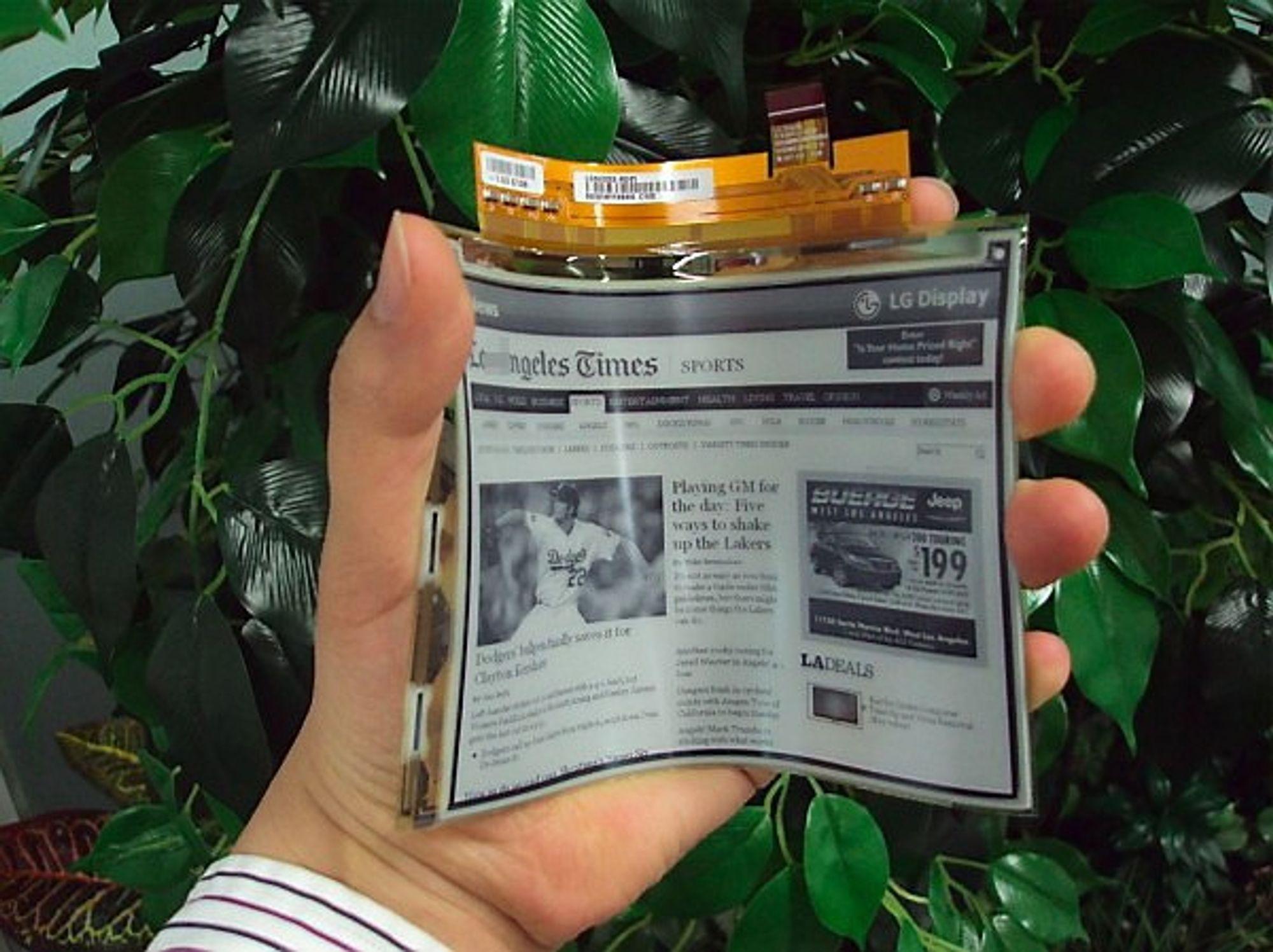 KAN BØYES: LG lanserer fleksibelt e-papir.