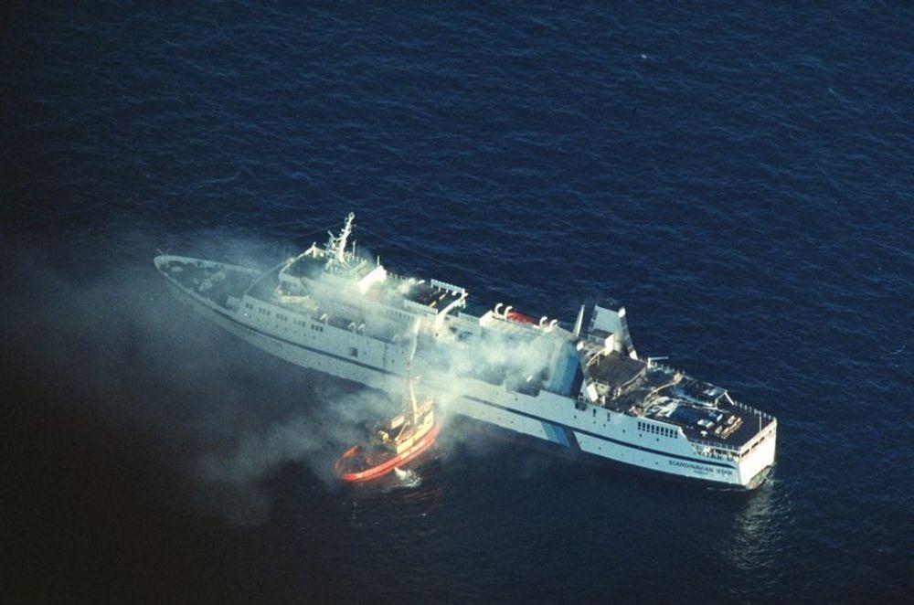 MORDBRANNEN: 7. april 1990 antente en brannstifter Scandinavian Star. Ingen ble dømt for brannstiftelsen. Nok en gang er en gjenopptagelse av etterforskningen avvist av Riksadvokaten.