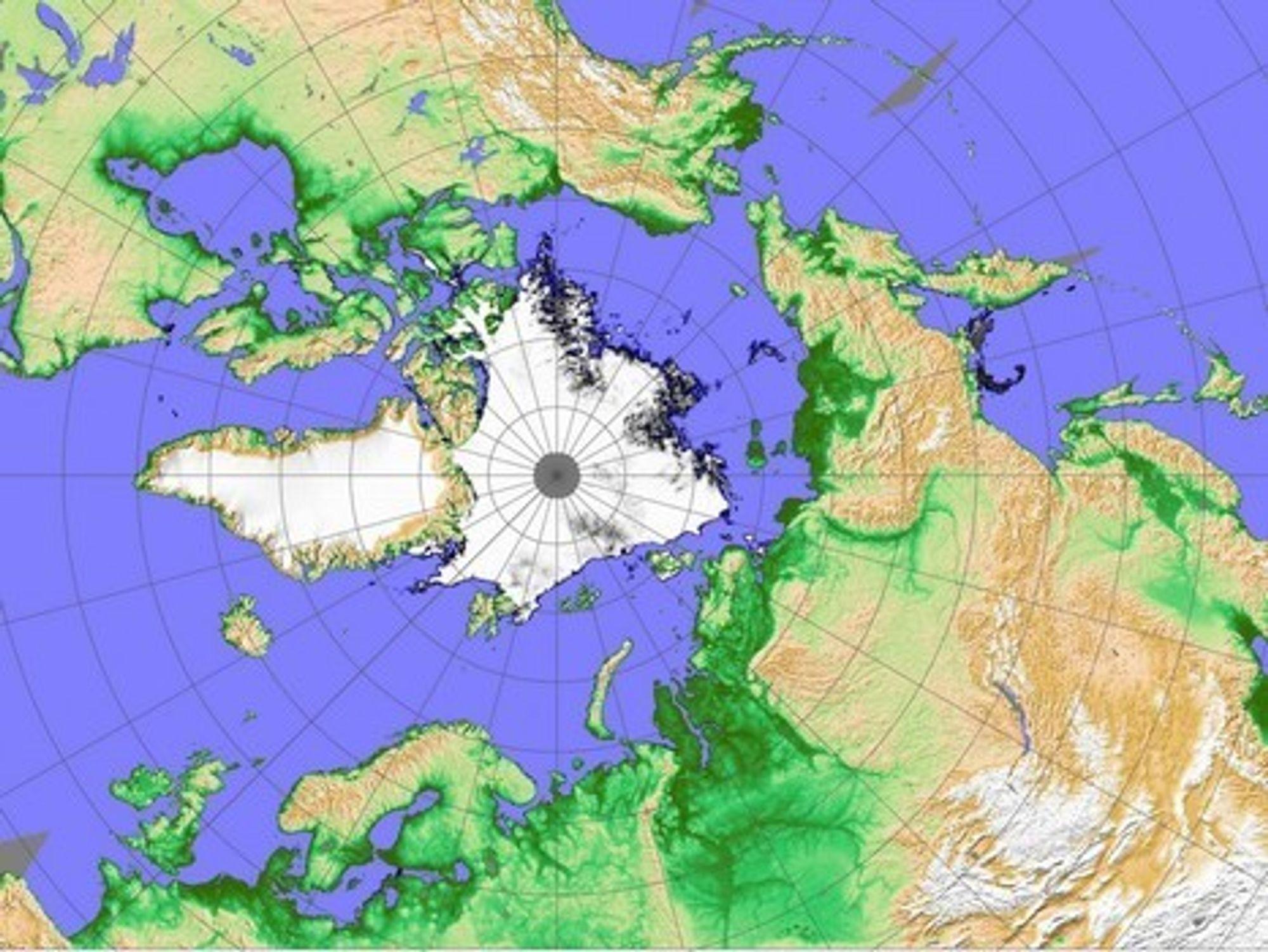 SMELTER: Satelittbildet tatt 4. september viser at for første gang i historien er både nordøst- og Nordvestpassasjen åpne og isfrie samtidig. Trolig er det første gang siden forrige istid.