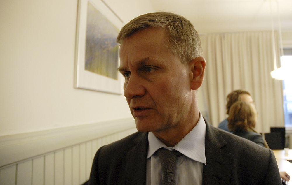 DIALOG MED OED: Vi må ha en dialog med Olje- og energidepartementet om hvordan vi skal få ned den samlede behandlingstiden for vindkraftsaker, sier miljøvernminister Erik Solheim (SV).