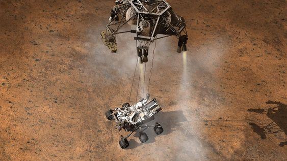 HIMMELKRAN: Den mest spennende delen av landingen blir når Curiosity skal fires ned til bakken fra landingsplattformen.