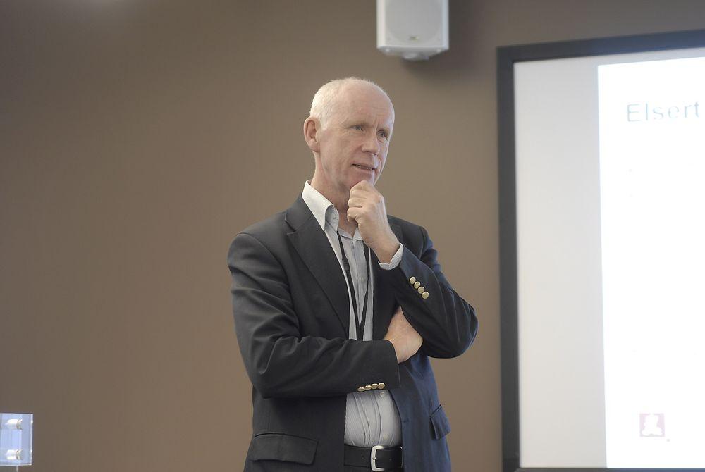 PRIORITERER STORSKALAVERK: Vassdrags- og energidirektør Per Sanderud vil prioritere storskala vannkraft fordi det er best for kraftsystemet og mest lønnsomt for samfunnet.