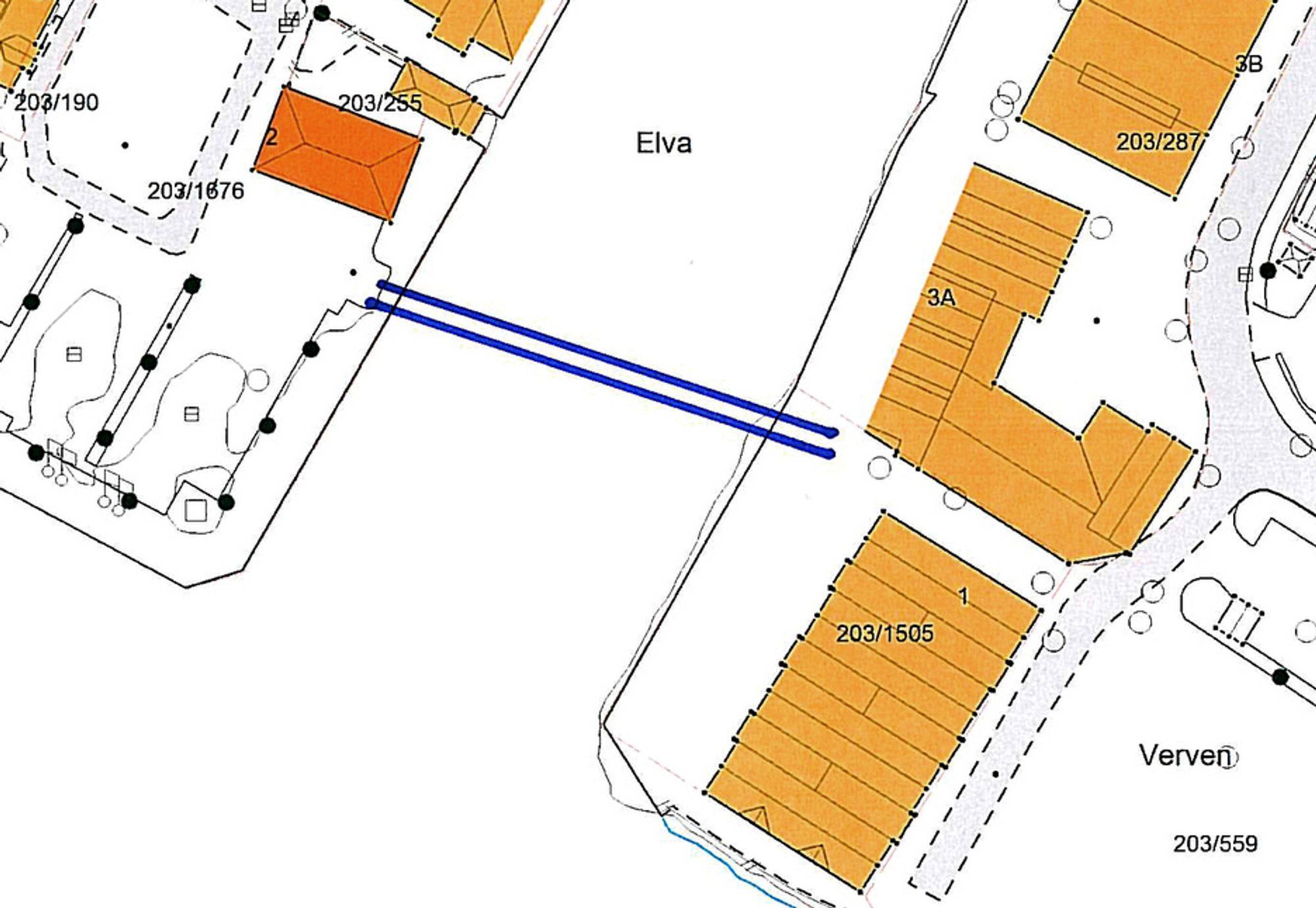 Gangbrua skal følge de to blå strekene. 12 firmaer meldte seg på for å delta i arkitektkonkurransen. Nå er 5 av dem prekvalifisert. Ill.: Flekkefjord kommune