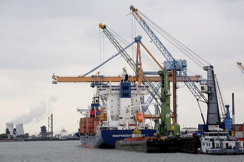 KLAR FOR GASS: Antwerpen havn vil tilby LNG-bunkring i framtida.