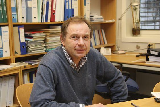 TILBAKESTEG: Eivind Grøv mener det er et teknologisk tilbakesteg å ta i bruk full utstøping i tunneler, han frykter at god norsk kompetanse skal gå tapt.