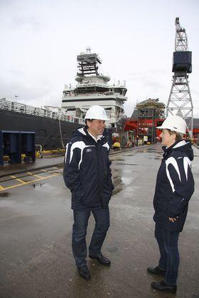 SATSER: Adm.dir. Ståle Rasmussen og styreleder Kjersti Kleven i Kleven Maritime tenker langsiktig. Kleven Verft utvider kaiområdet og Myklebust Verft får ny flytedokk.