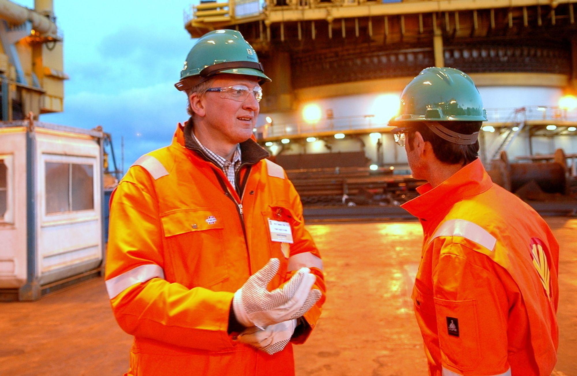 NORSKEHAVET:  - Norskehavet er et viktig område for Shell, og Linnorm-prosjektet utfyller våre nåværende aktiviteter i regionen, hvor Shell er operatør for Ormen Lange og Draugen, sier direktør Bernt Granås i Shell Projects and Technology. Her fra nedsettingen av produksjonsramme tre på Ormen Lange.