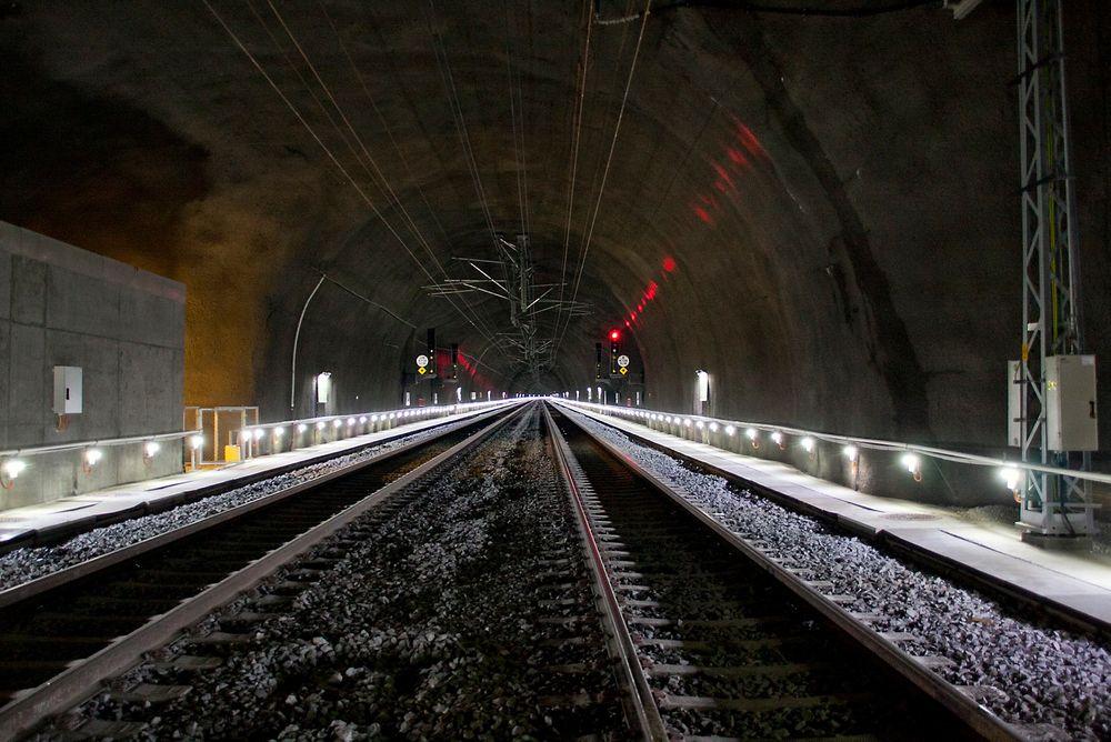 NYTT: Det går fremover, her Bærumstunnelen, togtunnel mellom Lysaker og Sandvika som åpnet for trafikk i fjor. FOTO: Mona Strande