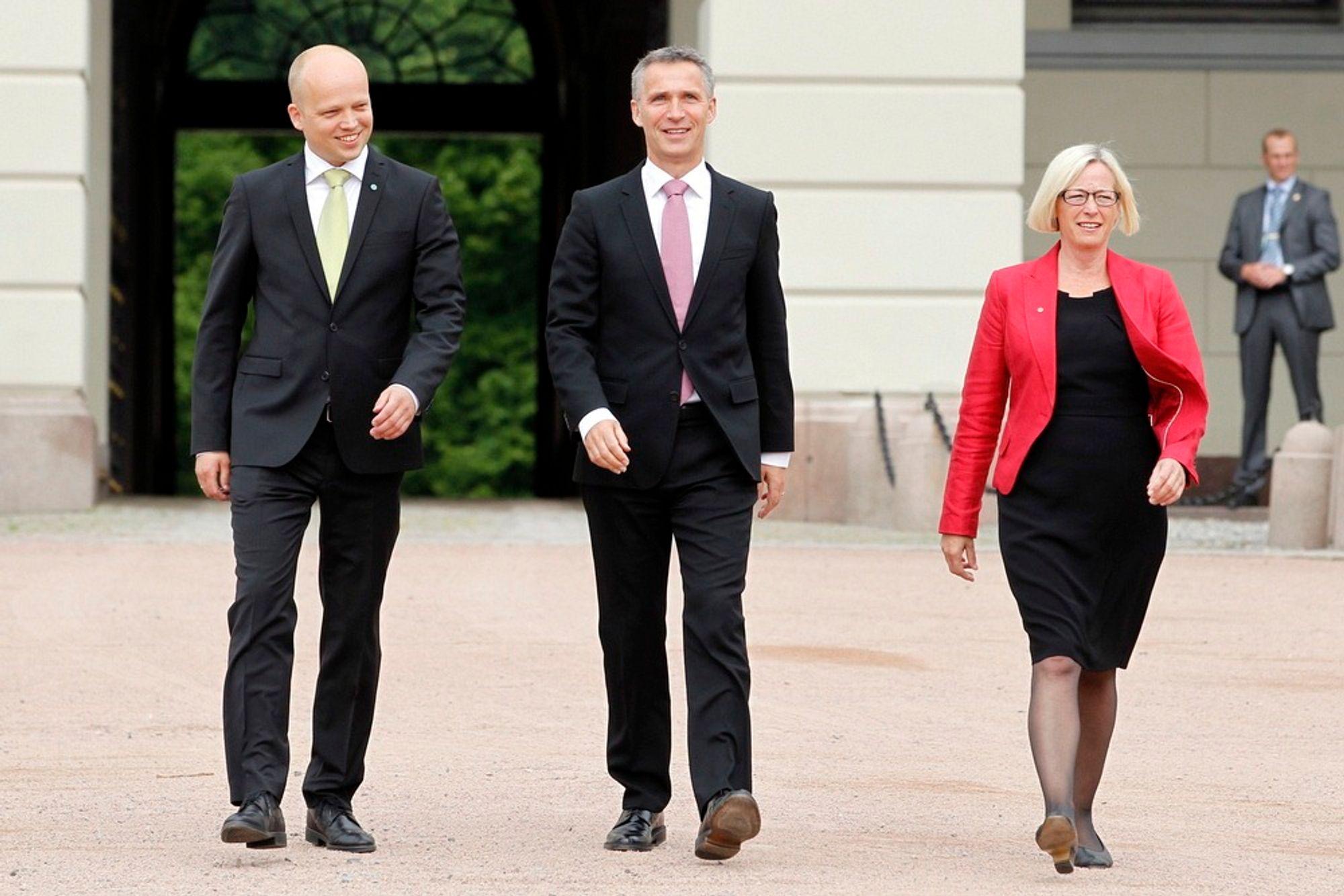 Statsminister Jens Stoltenberg presenterte mandag Trygve Slagsvold Vedum som ny landbruksminister og Marit Arnstad som ny samferdselsminister.