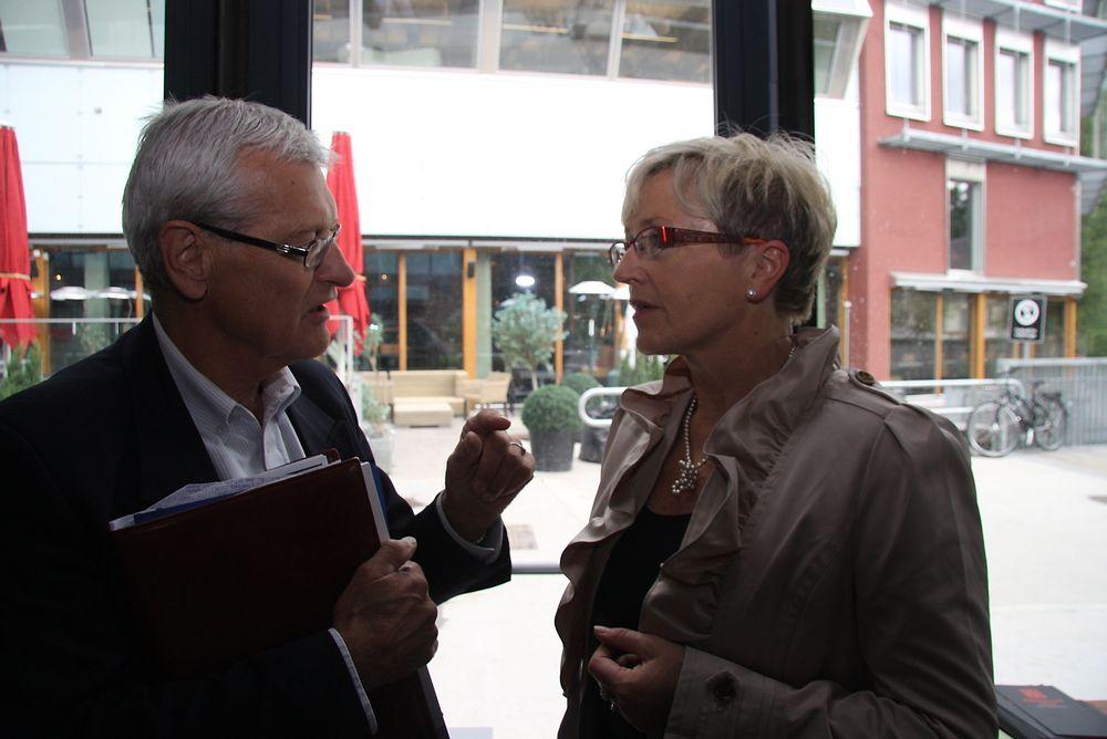 BEDRE: – Dette var bra, men det kan bli bedre, sier BNL-direktør Arne Skjelle. Her i debatt med Liv Signe Navarsete der han ber om klarer krav.