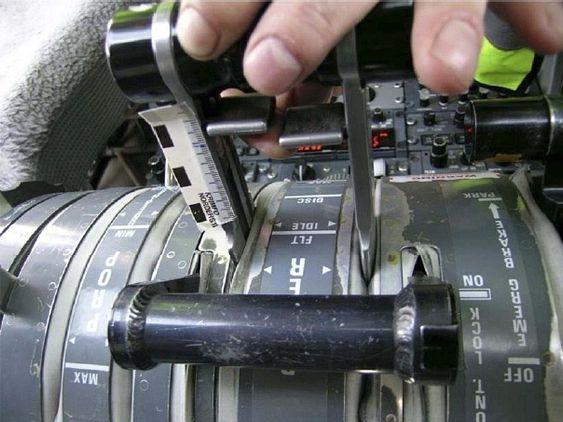 For å komme inn i Beta-området må først en liten hendel (Release Triggers) løftes cirka fem millimeter opp for å oppheve en mekanisk sperre.
