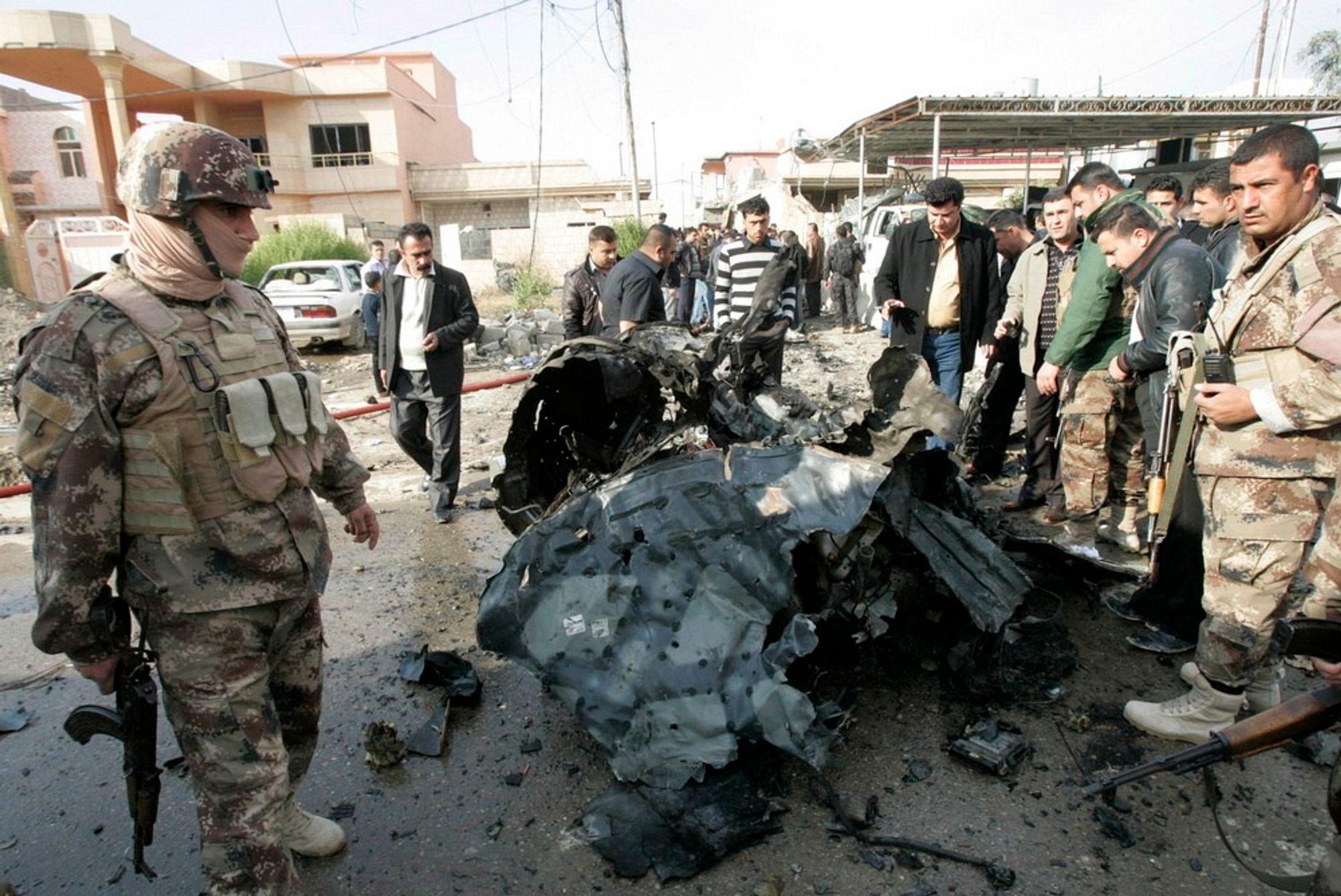 Arve Danielsen mener oljeselskapene kunne bidratt til å gjøre verden bedre for lokalbefolkningen, og at Statoil kunne utrettet mye mer i Irak uten partnerskapet med Lukoil. Illustrasjonsbilde fra et bombeangrep i oljebyen Kirkuk, 250 km nord for Bagdad, 13. januar i fjor.