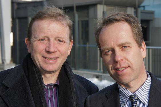 JOBB I NETTVERK: Per Christer Lund (t.v.) og Svein Grandum er teknologene ved Tokyo-kontoret til Innovasjon Norge. De mener norsk industri nå har en historisk mulighet for innpass i det japanske markedet.