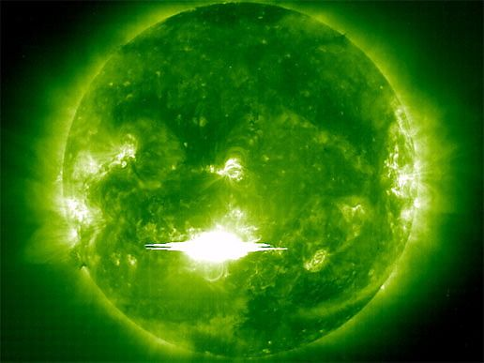 UTBRUDD PÅ SOLA: Aktiviteter på Sola får konsekvenser for livet på Jorden.