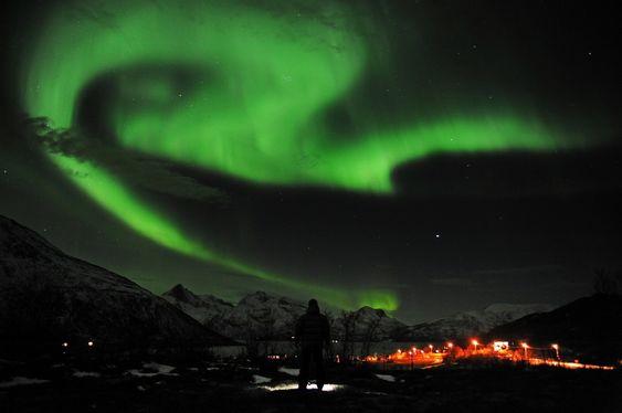 NORDLYS: - Bruk romværmeldingen til å planlegge når du kan se nordlys, oppfordrer Knut Jørgen Røed Ødegaard.