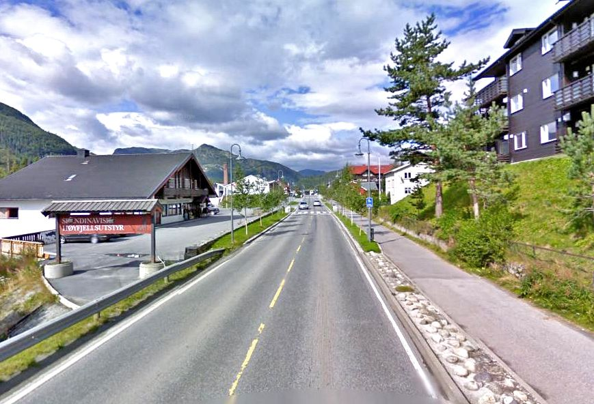 Ca. 700 meter av riksveg 52 gjennom kommunesentret Trøym i Hemsedal skal bygges om til miljøgate, men ingen ga anbud da jobben ble utlyst.