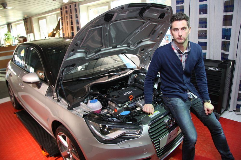 FLERE BENSINBILER: - Bensinmotorer kommer til å være utgangspunktet for hybridløsninger i årene fremover, sier informasjonssjef Marius Tegneby hos Audi-importøren Harald A. Møller. Her ved en Audi A1 med bensinmotor.