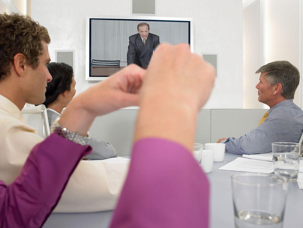 TOMMELEN NED: Kun én av fem bedrifter har eget utstyr for videokonferanse.