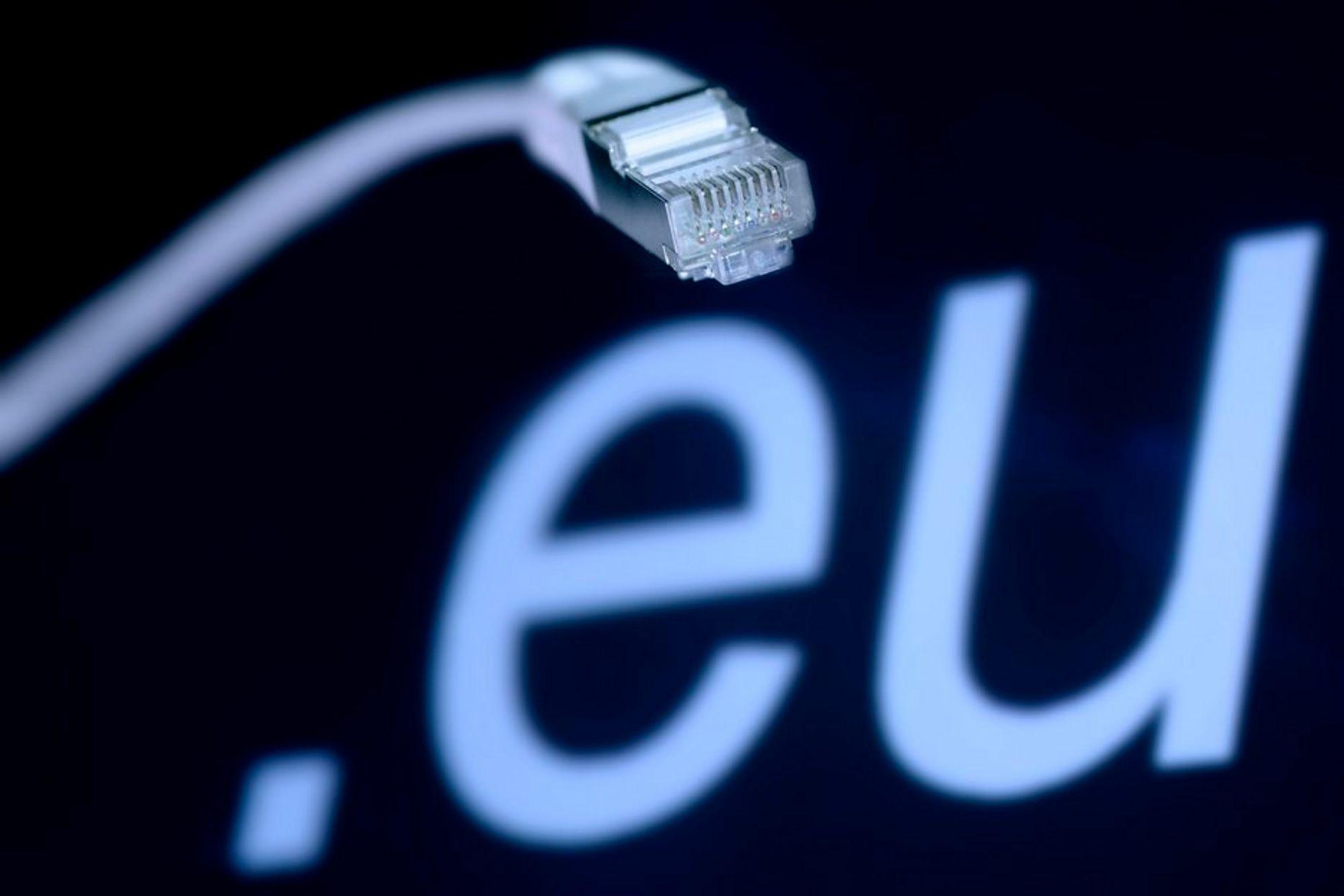 """Her i Norge er regjeringen snart i mål med lovnadene om """"breiband til alle"""". Nå vil EU ha en slik regel lovpålagt."""