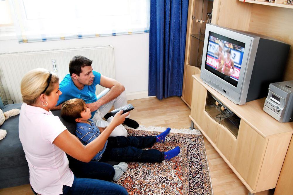 Det finnes fortsatt en million CRT-TV-er i norske hjem, ifølge Elektronikkbransjens undersøkelser. Det gir håp om godt TV-salg også i årene fremover.
