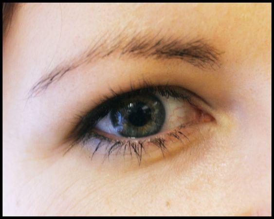 ØYET TAR IMOT LYS: Når lys treffer øyet, så sendes et signal som gjør at melatonin blokkeres.