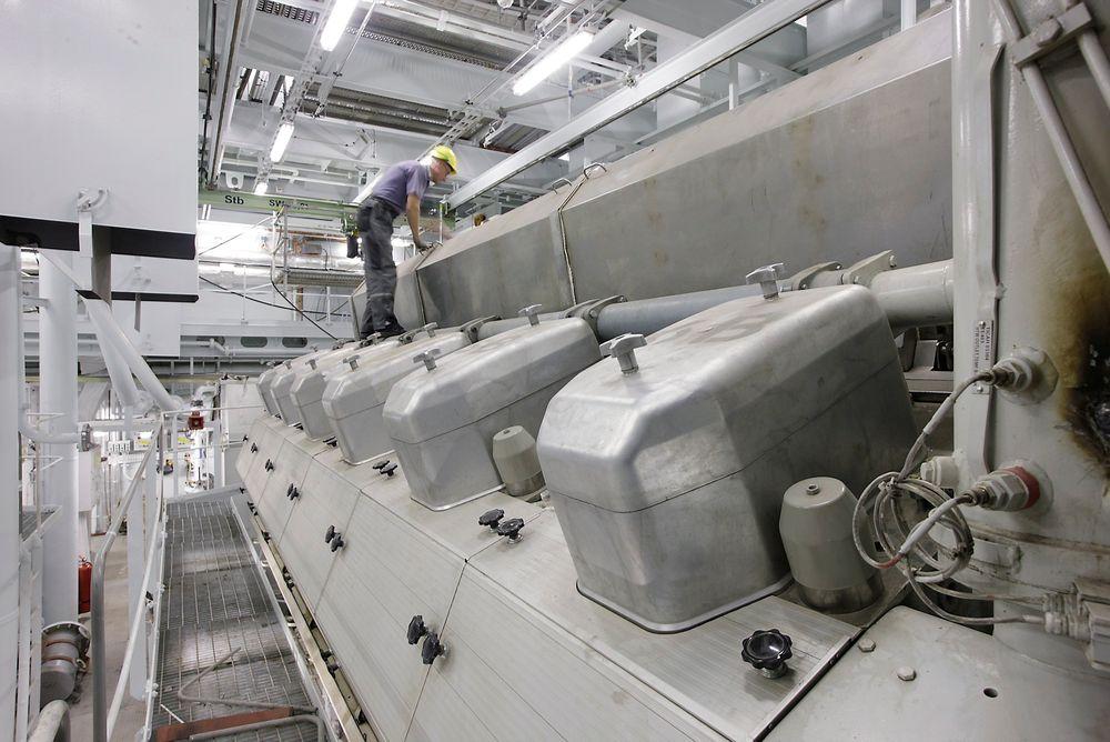 CRUSIER: Verdens største cruiseskip Oasias of the Seas har seks Wärtsilä-motorer,  3 x 16V46 CDRog 3 x 12V46 CDR.