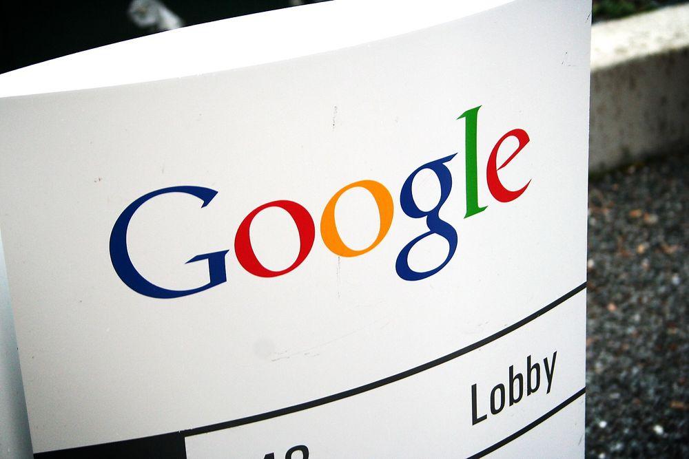 Googles spesialbygde biler samlet inn store mengder data fra usikrede nettverk, deriblant eposter, passord, fotografier og samtaleprotokoller, fastslår datatilsynet i Hamburg.