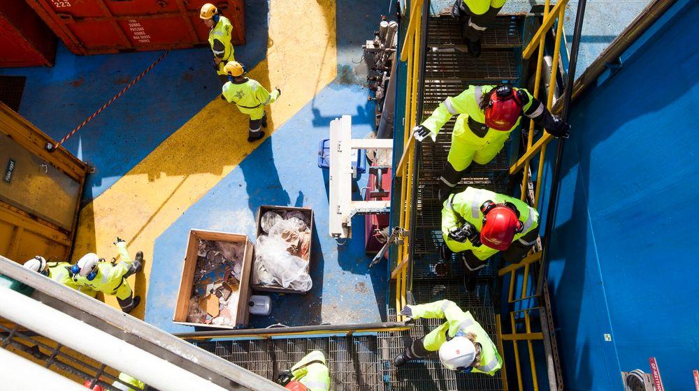 En ny rapport foreslår å endre arbeidstiden fra to til tre uker på jobb for sokkelarbeiderne.