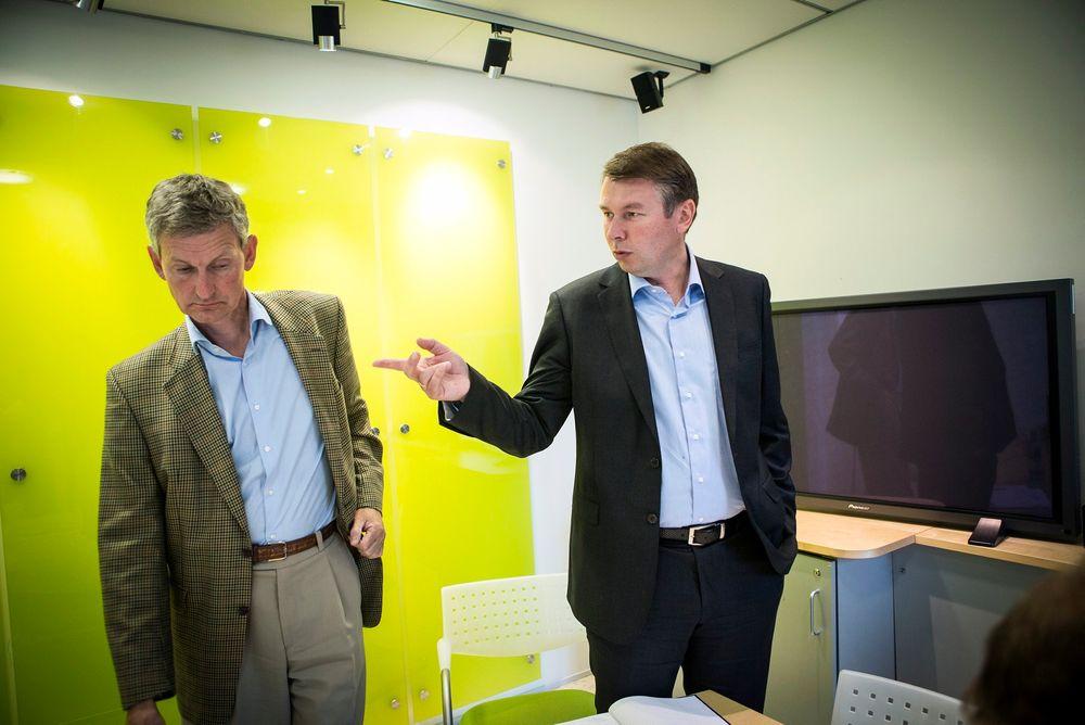 OVERTAR: Roy Grønli (t.h.) tar over Accenture Norge etter Nils Øveraas i september, men fortsetter arbeidet med å forbedre Altinn-løsningen. FOTO: Håkon Jacobsen