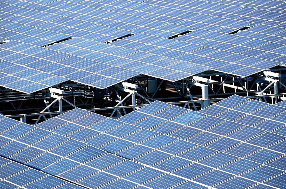 Perovskitt kan gjøre solcellene mer effektive, men ennå gjenstår mye forskning før man vet sikkert hvor stort potensialet er.