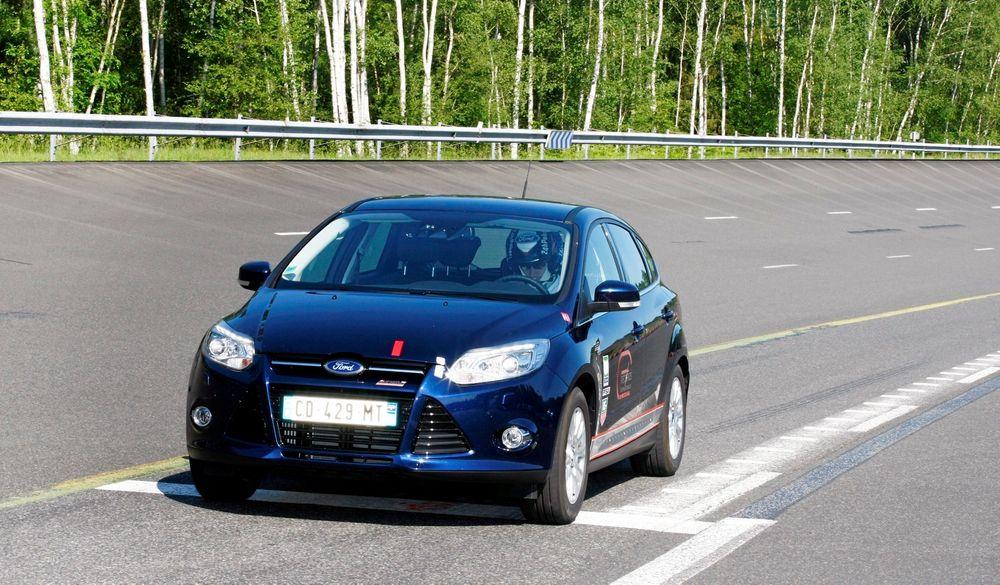 Med blant andre Fords rallyfører Jari-Matti Latvala bak rattet ble det i sommer satt flere FIA-godkjente fartsverdensrekorder med en Ford Focus drevet av Fords nye 1-liters EcoBoost-motor.