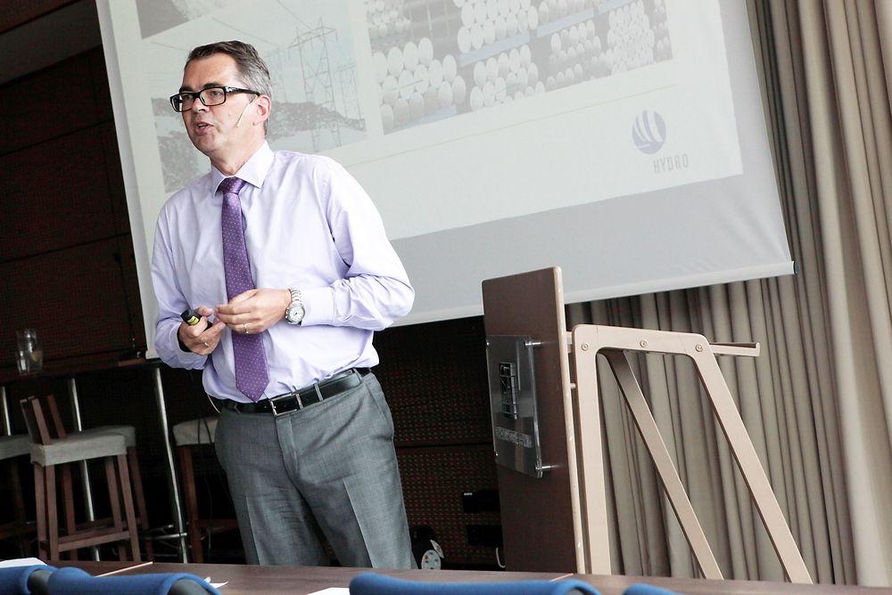 DetTE er den nye styrelederen ved NTNU, konsernsjef i Hydro Svein Richard Brandtzæg.