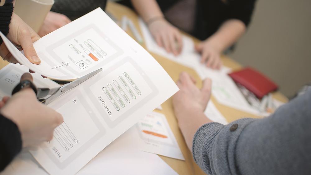 Idéverksted: Under workshopene samarbeider bedriftene med studenter om enten produktdesign av fysiske tjenester eller design av hjemmesider og applikasjoner.
