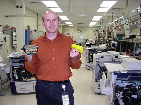 Tror på voks:Xerox sjef for smeltevoks, Jeff Banks, har vært med på utviklingen i snart 20 år. Han tror teknologien har mulighet til å få en mye større andel av kontormarkedet.