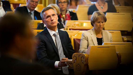 Statsminister Jens Stoltenberg og justisminister Grete Faremo etter redegjørelsen i Stortinget om regjeringens oppfølging av rapporten fra 22. juli-kommisjonen.