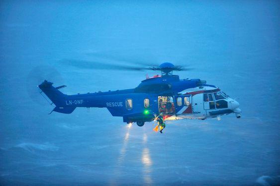 Bristow Norways to EC225 sar-helikoptre har også i utgangspunktet flyforbud, med unntak for når det står om liv slik det gjorde fredag.