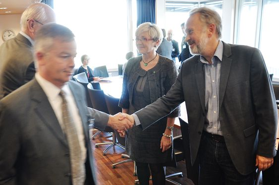 Kommunal- og regionalminister Liv Signe Navarsete møtte representanter for byggenæringen