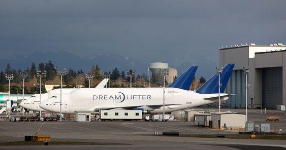Dreamlifter brukes til å frakte 787-deler fra blant annet Sør-Carolina til Everett, Washington.