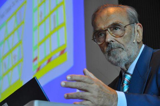 ITALIENER PÅ ØKERN: Prof. ing. Alberto Parducci har designet Europas flotteste betongbyggverk, og var i Oslo i dag for å ta imot prisen.