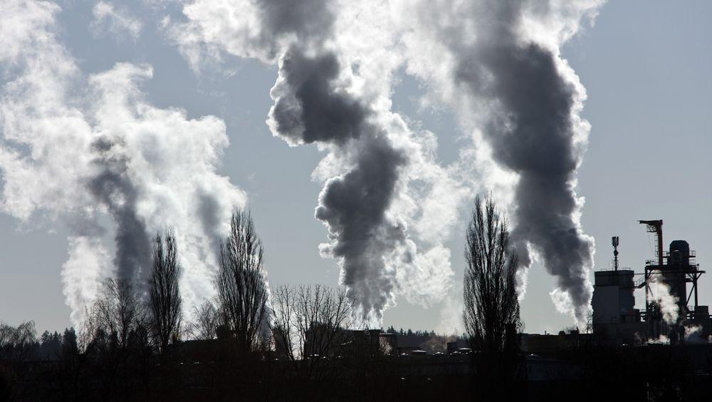 CO2-utslippene har ikke fullt så stor effekt på klimaet som man har trodd, viser forskning fra Universitetet i Oslo.