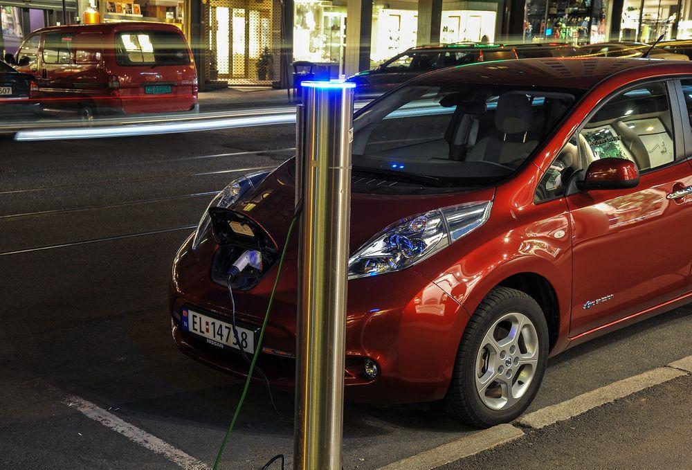 99 prosent av de spurte i undersøkelsen var villige til å betale for hurtiglading av elbil.