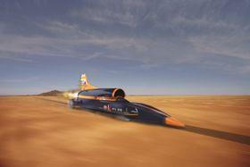 Når Bloodhound SSC skal bryte 1 000 miles i timen-grensa, vil farkosten kjøre 12 miles/19,3 kilometer på to minutter. De to minuttene fordeler seg på 55 sekunder med akselerasjon og deretter 65 sekunder med nedbremsing.