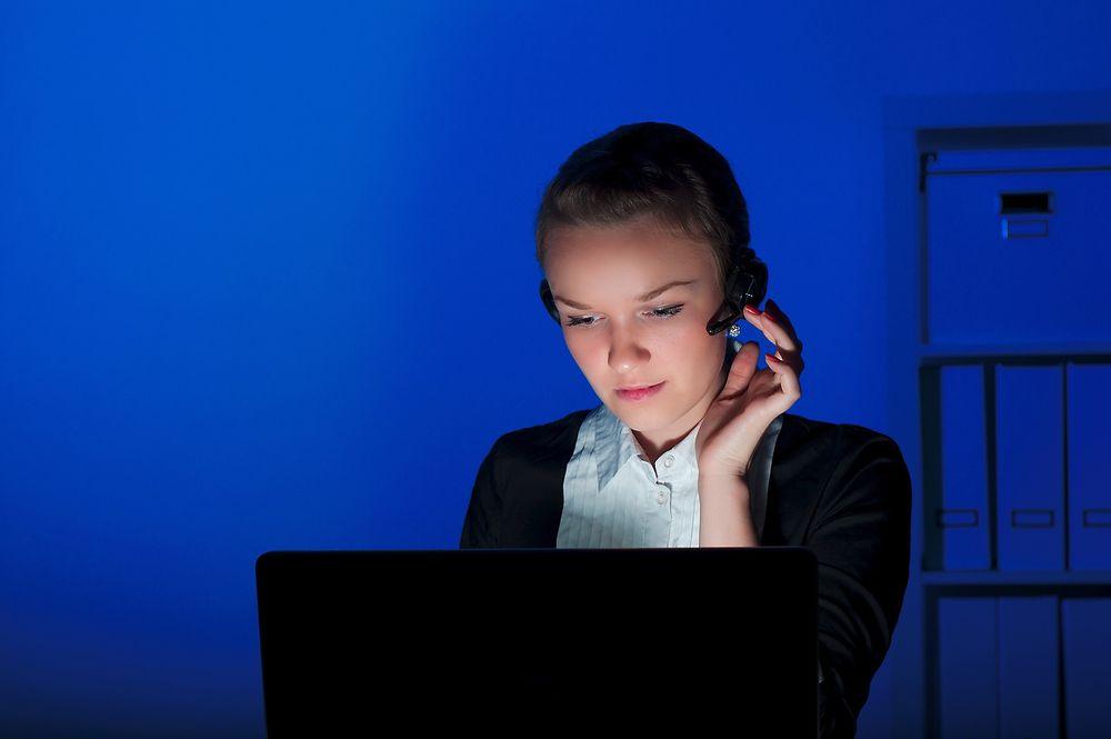 Halvparten får aldri betalt for overtid, ifølge Arbeidslivsbarometeret.