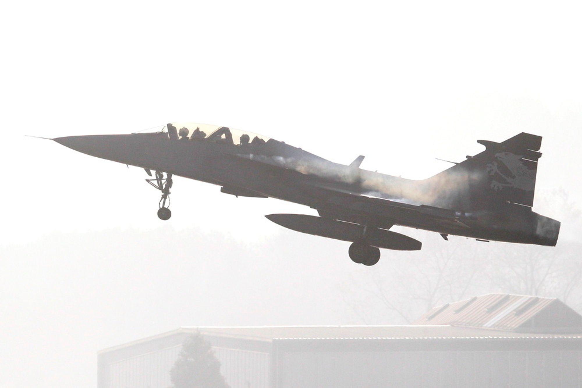 Svenskene vil ikke delta i den danske jagerflykonkurransen med sitt Gripen. De mener kriteriene i anbudet legger føringer som er svært fordelaktige for amerikanske F-35.